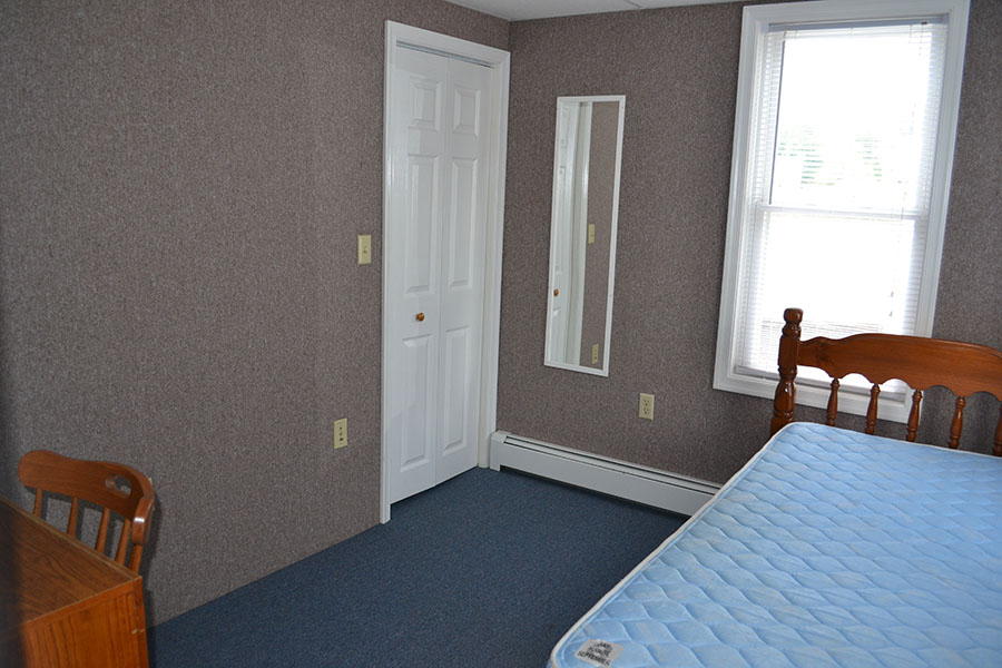 Penn Argyle 392 - Upstairs Bedroom